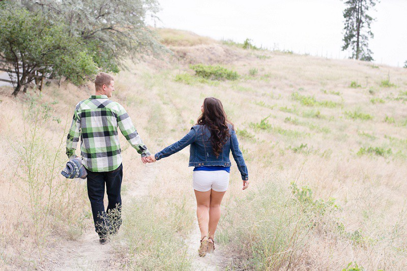 Picnic engagement photography Penticton, God's Mountain