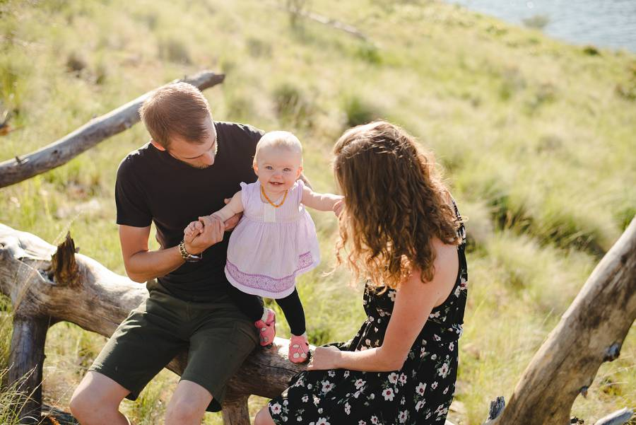 Kelowna family with baby girl