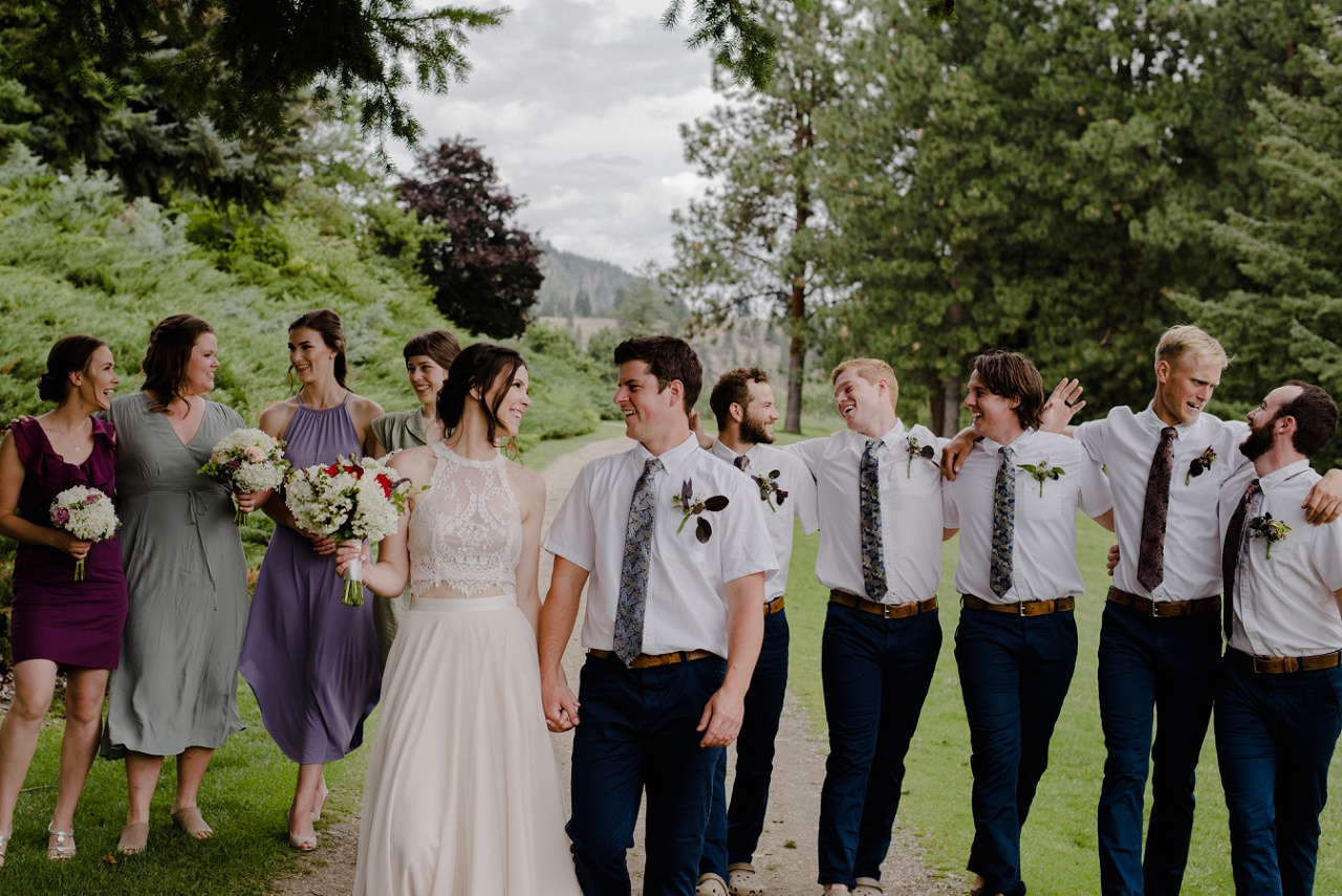 Bridal party photos at Kaloya Park, Oyama